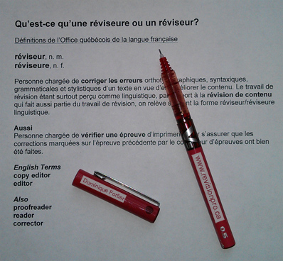 definition-reviseur_editor-with-red-pen. Defenition in French of the word «réviseur»/copy editor/editor and «correctrice ou correcteur d'épreuves»/proofreader/reader/corrector in the publishing/editing world.